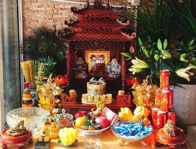 Quy trình lau dọn bàn thờ Thần Tài