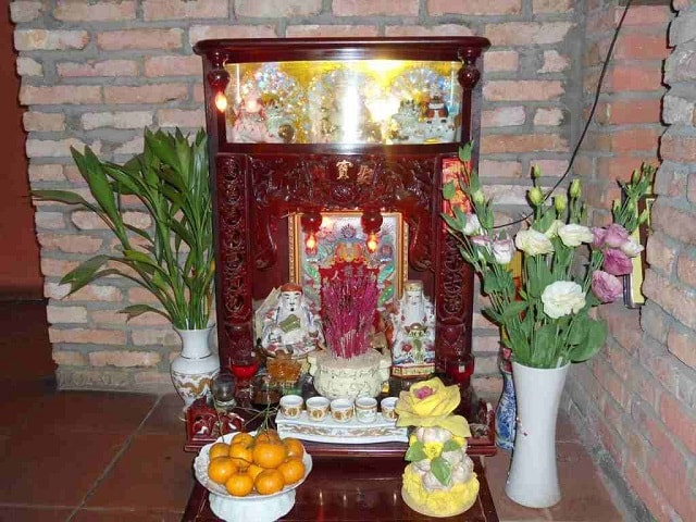 Đặt bàn thờ Thần Tài trong nhà