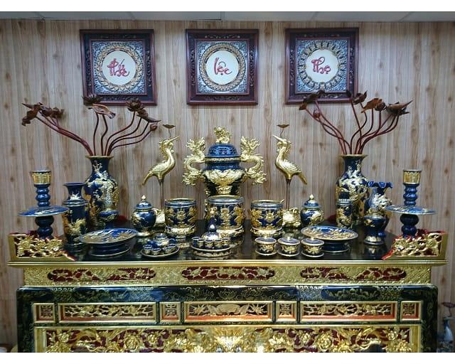 Đặt bàn thờ gia tiên theo hướng hợp tuổi
