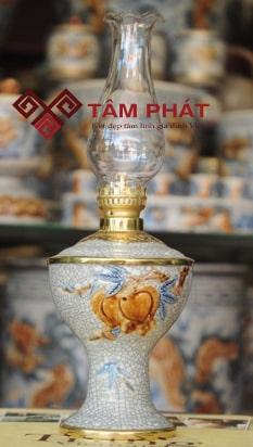Đèn váy vuông hình quả Đào Bát Tràng