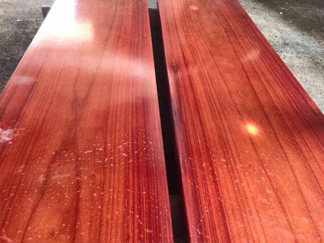 Gỗ hương đỏ được xếp vào hàng đỉnh trong các loại gỗ phổ biến hiện nay