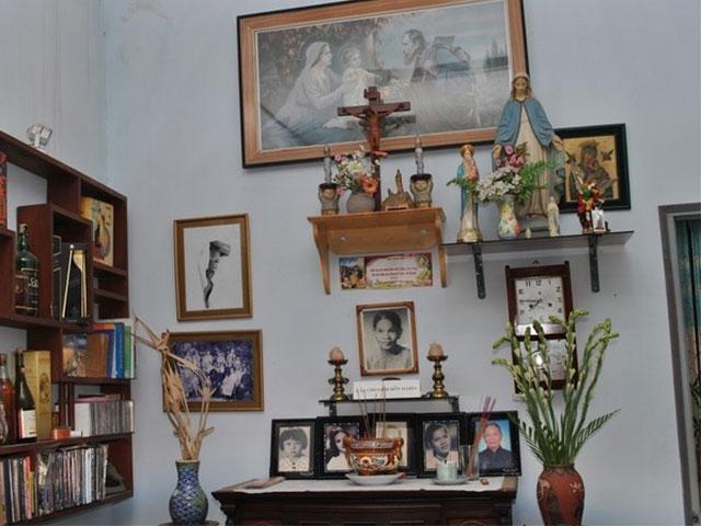 Mẫu bàn thờ gia đình Công Giáo gia đình ngày càng đa dạng về chất liệu