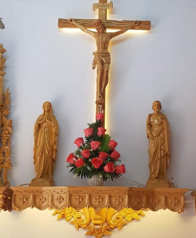 Bàn thờ Chúa trong gia đình người Công Giáo