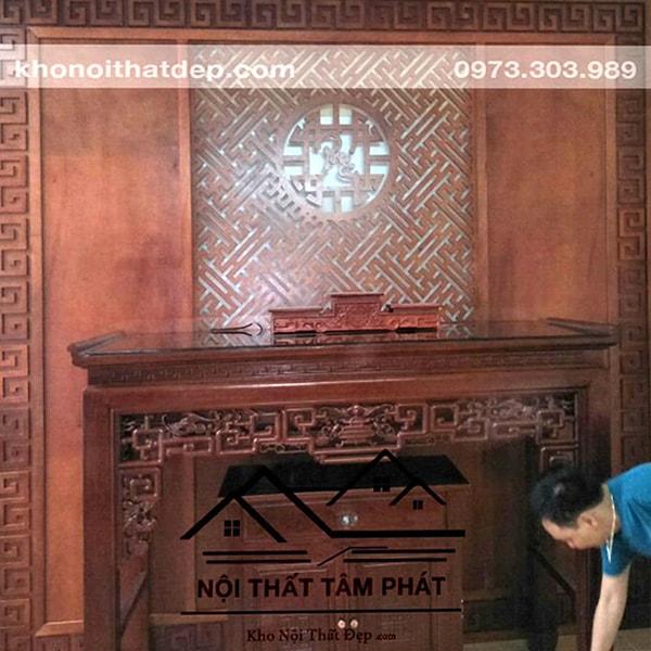 Vách ngăn phòng thờ Tâm Phát