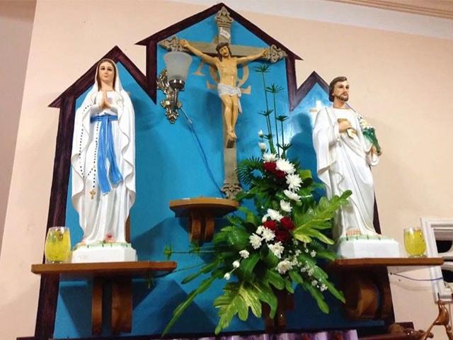 Xu hướng thiết kế bàn thờ Công Giáo hiện nay đề cao tính hiện đại