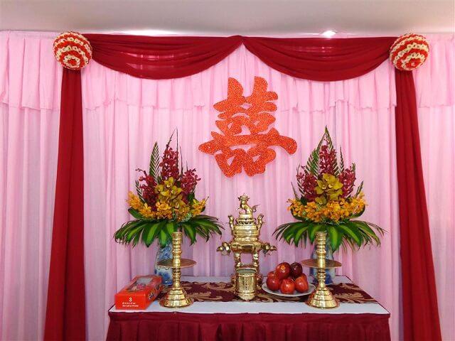 Hoa tươi bàn thờ gia tiên ngày cưới