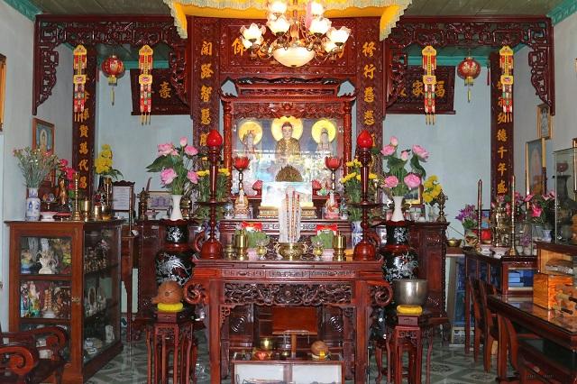 Cách bài trí bàn thờ Phật