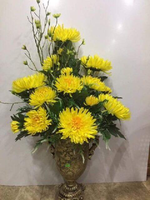 Cách cắm hoa bàn thờ ngày Tết