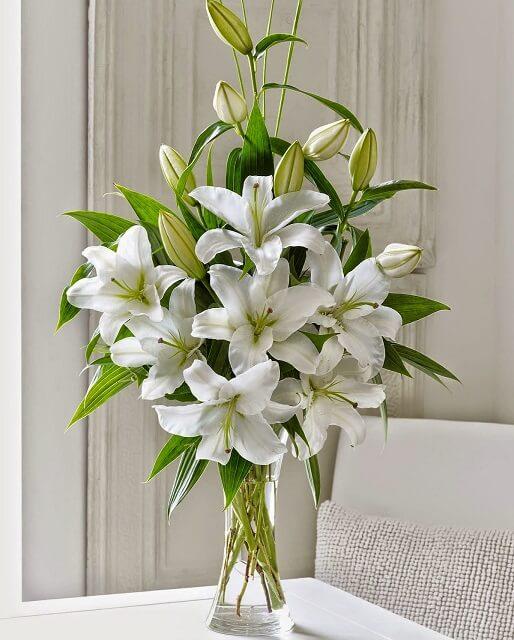 Cách cắm hoa ly để bàn thờ