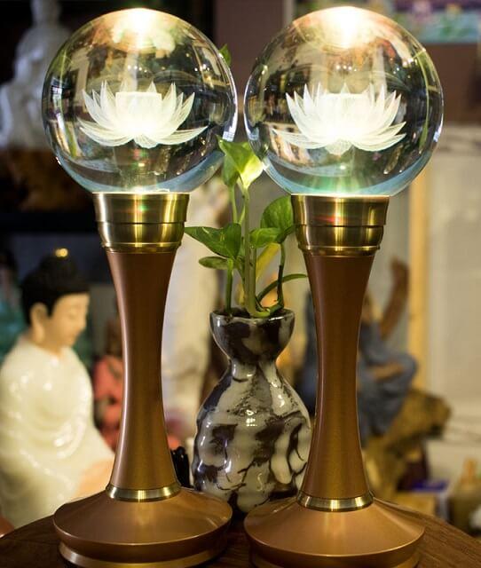 Cách bố trí đèn trên bàn thờ