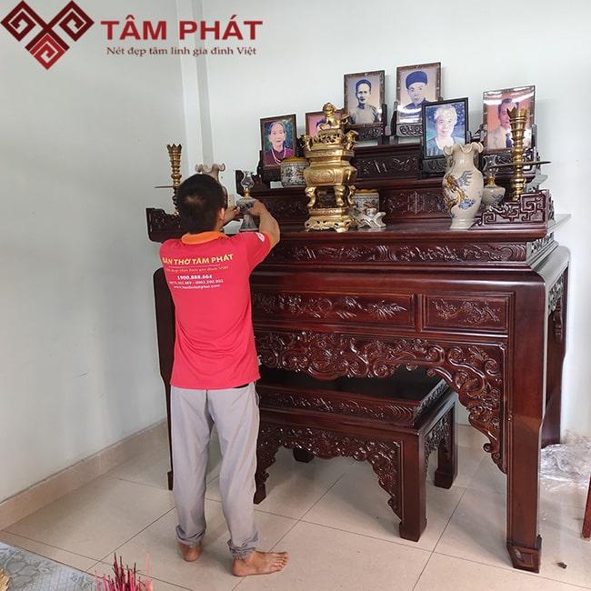 Mẫu bàn thờ gia tiên đẹp của cửa hàng Bàn thờ gỗ Tâm Phát