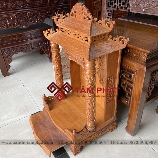 Cách bố trí bàn thờ Ông Địa chuẩn phong thủy là sau cửa, chéo cửa ra vào