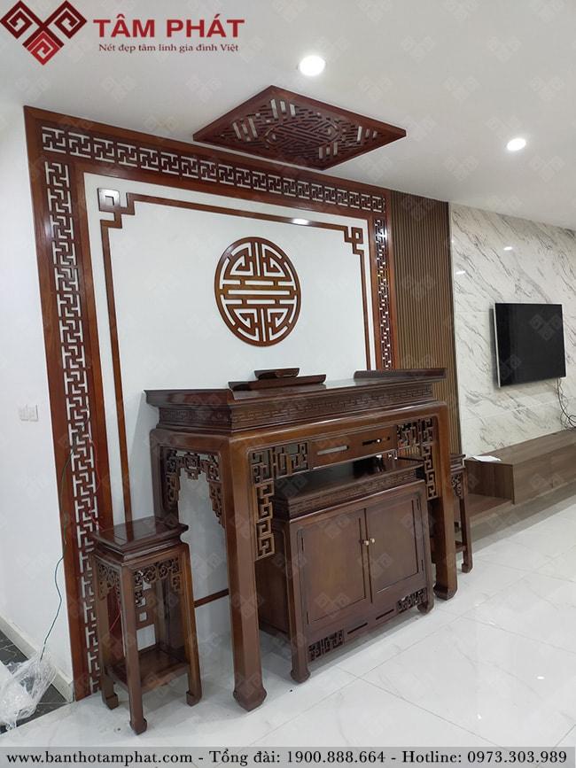 Bàn thờ gỗ Gụ Lào hoàn thiện sắc nét BTG-1108