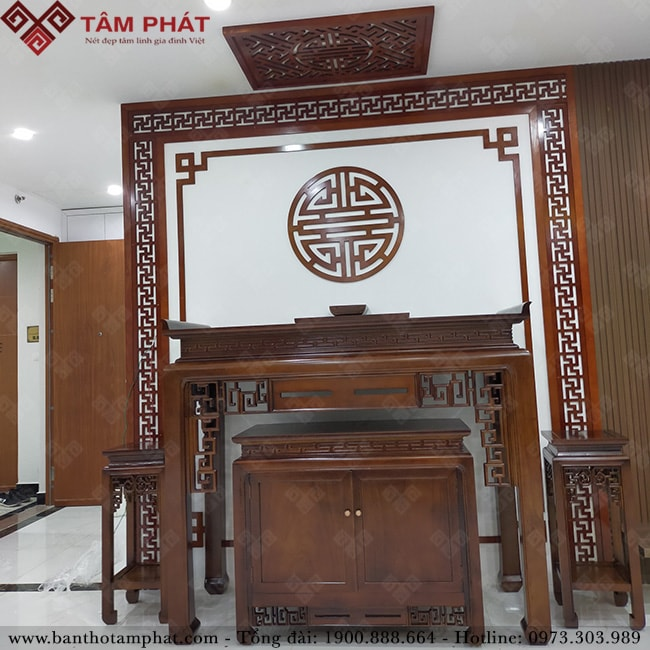 Phòng thờ trở nên sang trong hơn với mẫu bàn thờ BTG-1108