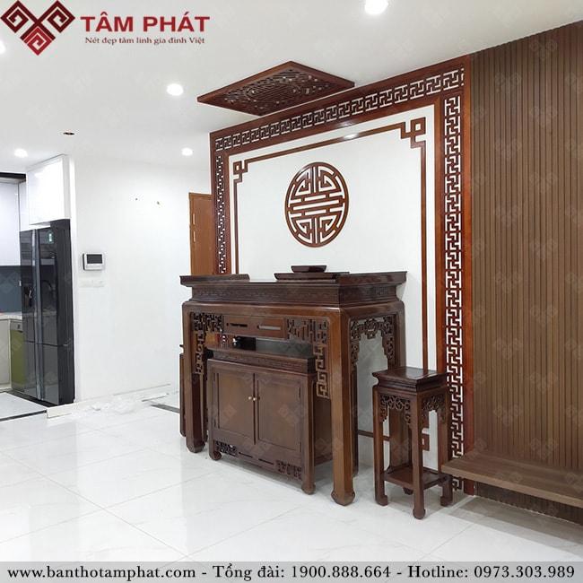 Đặt hàng trực tuyến bàn thờ gỗ Gụ Lào sang trọng BTG1108 với Tâm Phát