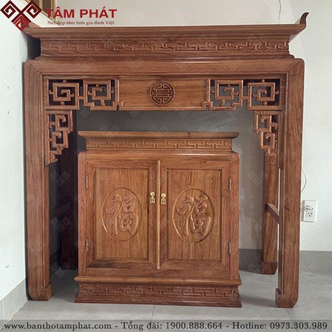 Bàn thờ có tủ thờ tiện lợi vừa đặt được mâm cơm vừa đựng được đồ thờ cúng